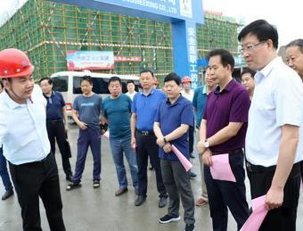 汉滨区人大视察上半年全区国民经济与社会发展计划执行情况