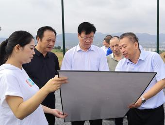 汉滨区人大视察城东新区开发建设工作