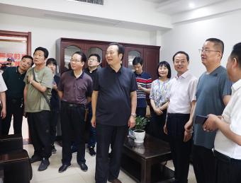 武进区人大常委会考察组到金川社区人大代表联络站参观交流
