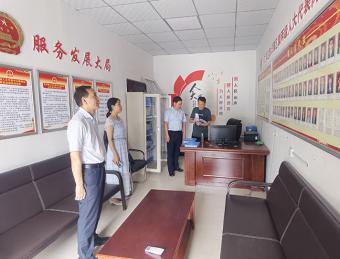 区人大副主任周登群到晏坝镇调研人大代表联络站建设和农业产业发展工作